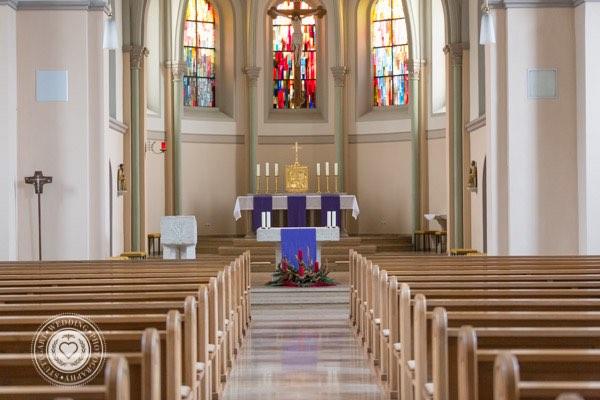 Schoene Kirche in Stuttgart Katholisch (2 von 4)