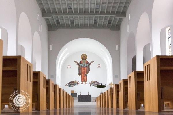 Schoene Kirche in Stuttgart Katholisch (3 von 4)